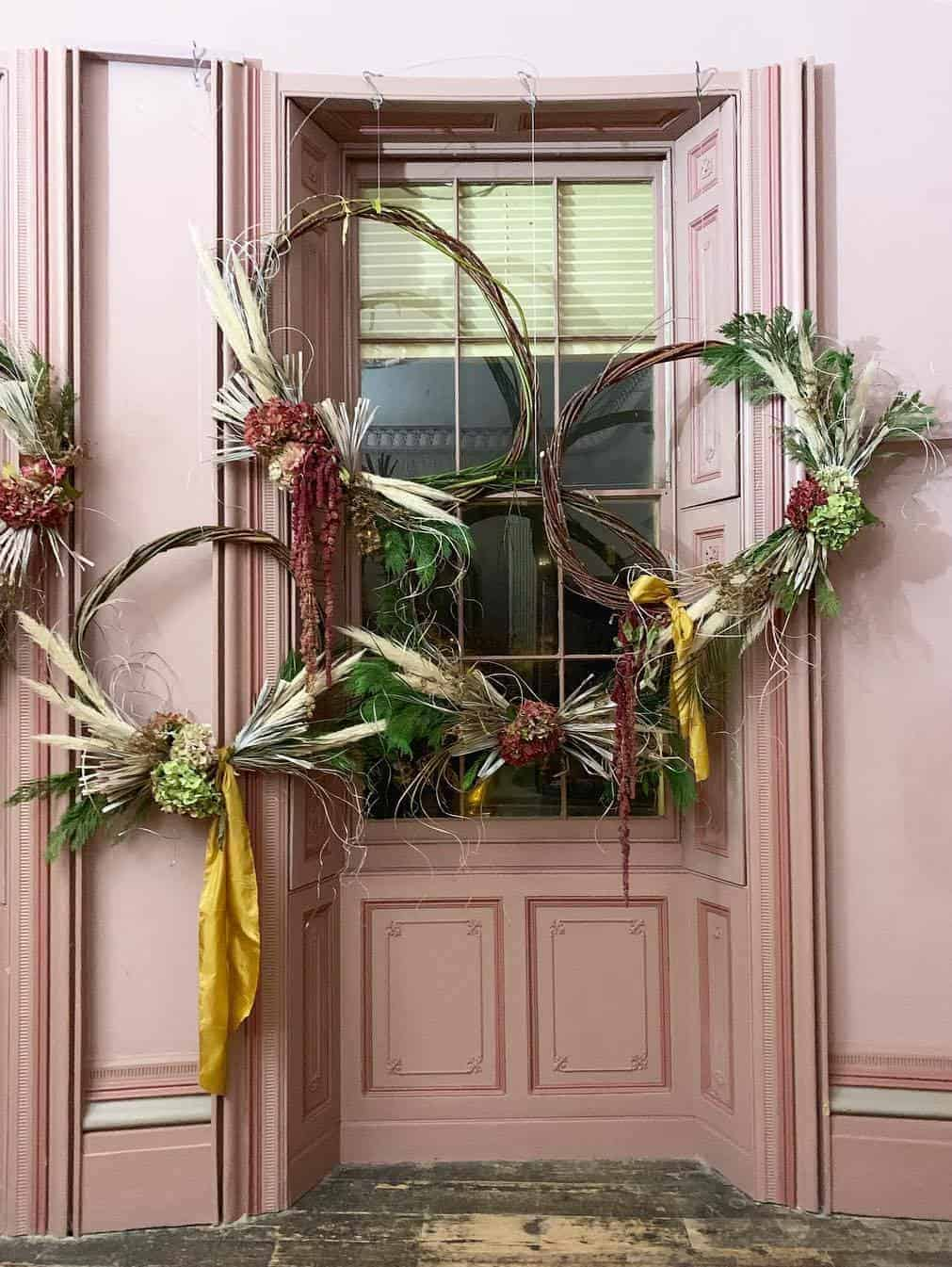 love these autumn wreaths with hydrangea pampas grass and willow by kate langdale florist brighton. click through for loads more creative autumn flower ideas you